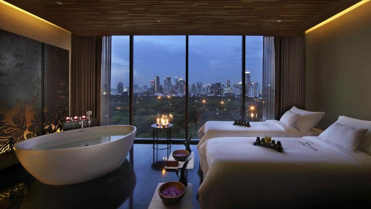 When an inviting bathtub comes into your room... http://www.themostperfectview.com/bangkok-hotel-views/sofitel-so-bangkok