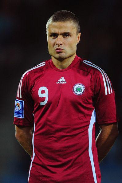 Maris+Verpakovskis+Latvia+v+Switzerland+FIFA2010+eN08q6fX6M4l.jpg (397×594)