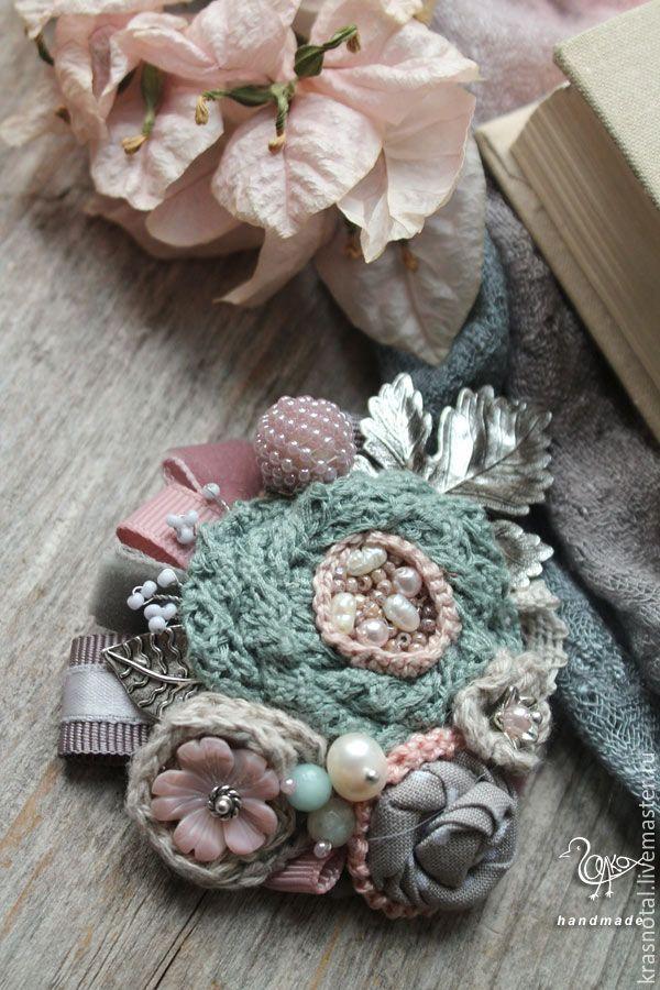 """Купить """"Туманное утро"""" брошь с цветами в стиле шебби - голубой, розовый, нежно-розовый"""