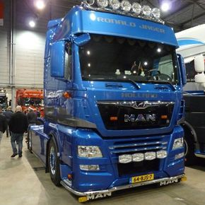"""348 Likes, 1 Comments - Exclusive_trucks (@exclusive_trucks) on Instagram: """" #v8 #scania #volvo #Daf #mercedes #low #stern #holland #highway #follow4follow #truck #schweden…"""""""
