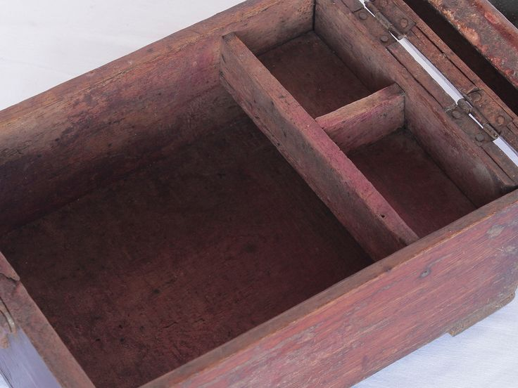 Shaving Box from Scaramanga's vintage furniture and interior collection #vintage #grooming #interior