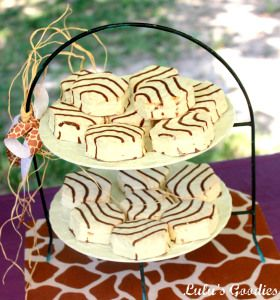 Safari themed shower with yummy zebra cakes to match the decor! #animal_print #yummy