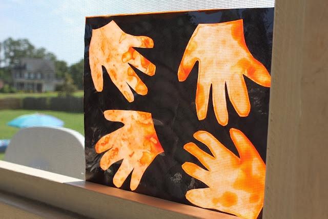 Sun Catcher: Tissue Paper Crafts, Crafts Ideas, Kids Stuff, Mom Llc, Kids Crafts, Glasses Art, Art Crafts Fun, Art Projects, Beautiful Things