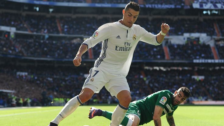 How to watch HD Real Madrid Live Streaming? simply goto the link of sporteology.com and watch what you wish for you. The clubs' matches the leagues' matches, the world cup matches; all sort different tournaments and news update everything is just a click away.