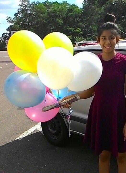 Nak celebrate sambutan hari lahir di Secret Recipe katanya. Manis senyuman dia kan? Ops!   #singgahshops #balloonservicesegamat #heliumballoon