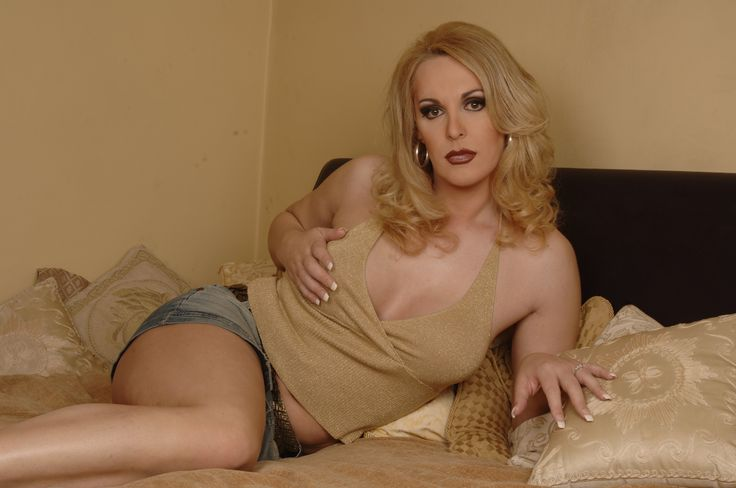 Meet Uk Shemales online now at www.transdate.co.uk. Fulfill your fantasies