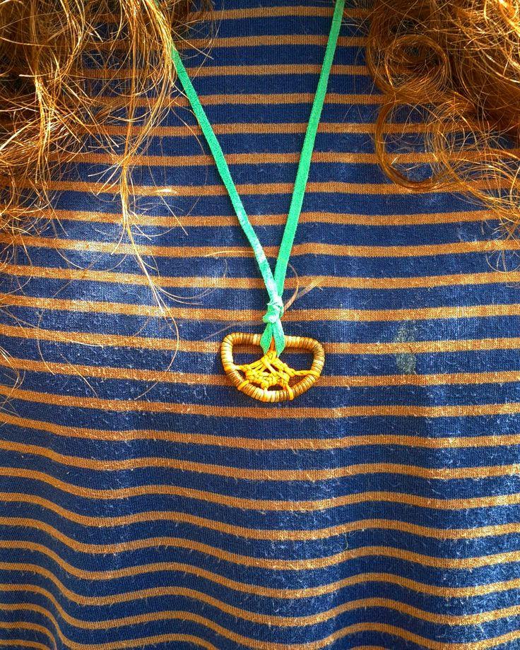 ☆ yeni kabuskapan kolye ☆ ● ○ ● ○ ●●SİPARİŞ İÇİN DM●● ○ ● ○ ● #elişi #özgün #tasarım #kolye #kolyemodelleri #kabuskapanı #düşyakalayıcısı #sanat #zanaat #mandala #hediye #sevgiyle #keyfitasarim #handmade #unique #design #necklace #dreamcatcher #art #craft #gift #withlove #diy #kendinyap
