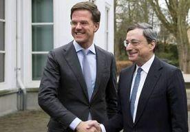 15-Apr-2013 13:59 - RUTTE ONTVANGT ECB-PRESIDENT DRAGHI. Premier Mark Rutte ontving maandag president van de Europese Centrale Bank Mario Draghi bij het Castshuis in Den Haag. Op de agenda staan onder…...