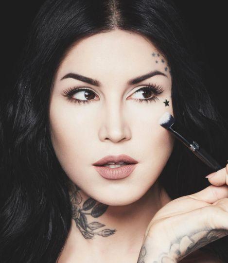 How To Wear Kat Von D's Serpentina Palette Like A Pro Beauty Blogger — VIDEOS