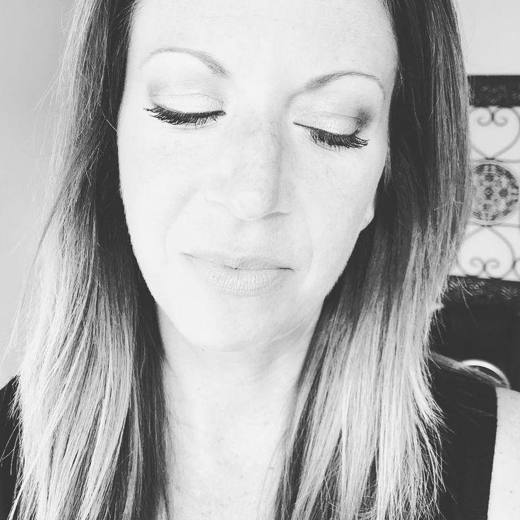 3D Fiber Lash Mascara...that is all! ❤️ Link in bio. . . #lisasbeautylounge #lashes #lashlove #lashesonfleek #lashesfordays #summer #makeup #mascara #3dfiberlashmascara #mom #momstyle #eyes #longlashes #notfalsies http://ameritrustshield.com/ipost/1555360110111429721/?code=BWVv8eNARRZ