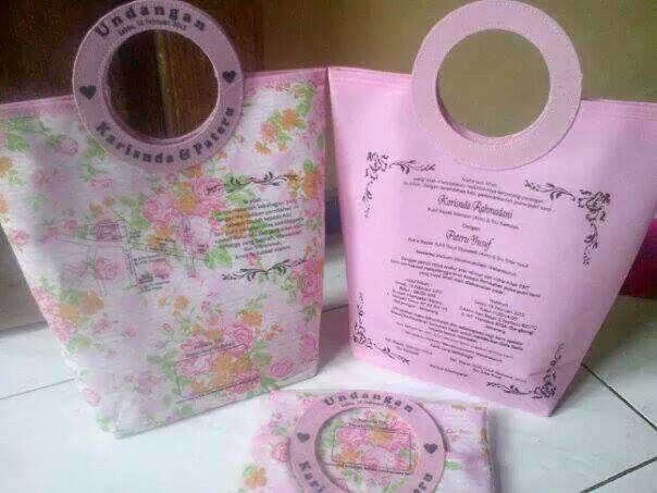 tas souvenir undangan pernikahan unik dan bermanfaat