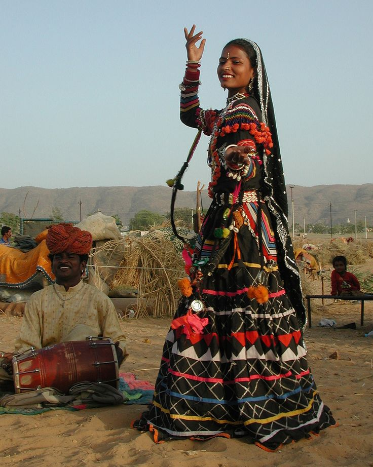 "https://flic.kr/p/qhD8S | ILFF10/2006 ""Jaisalmer Ayo! Gateway of the Gypsies"" (Feature Documentary) | dir. Melitta Tchaicovsky, Pepe Ozan, 2004, U S A, 54 min.  Screening at 10th International Latino Film Festival - San Francisco Bay Area on 11/16/2006 @ 6:00 PM -  @ Dominican University of California (San Rafael)    Shot in the homeland of the Gypsies, Rajasthan, Northwest India, ""Jaisalmer Ayo! Gateway of the Gypsies"", captures the lives and journeys of vanishing nomadic communit..."
