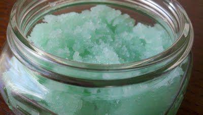 peppermint facial scrub: http://thehappyhousewife.com/home-management/homemade-peppermint-facial-scrub/