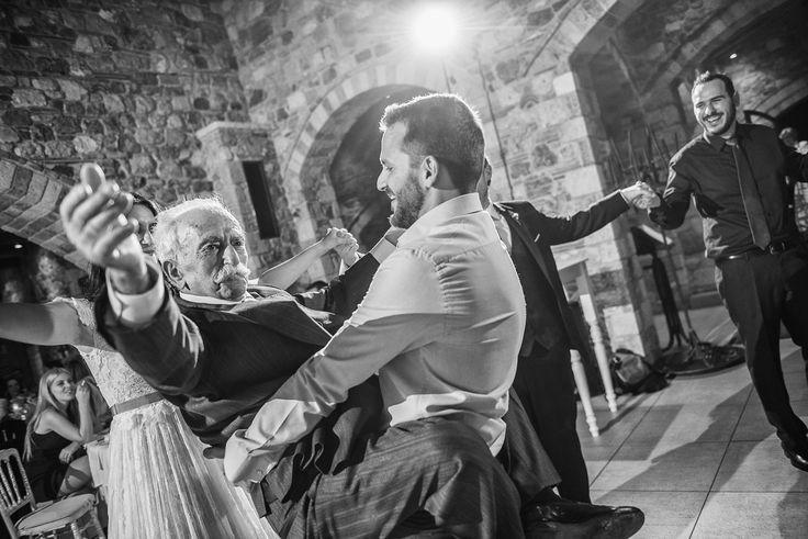 Γάμος στον Πύργο Πετρέζα | Pyrgos Petreza | Χρήστος & Ελένη | see more of our work on http://www.redboxstudio.photo/christos-eleni | www.redboxstudio.gr