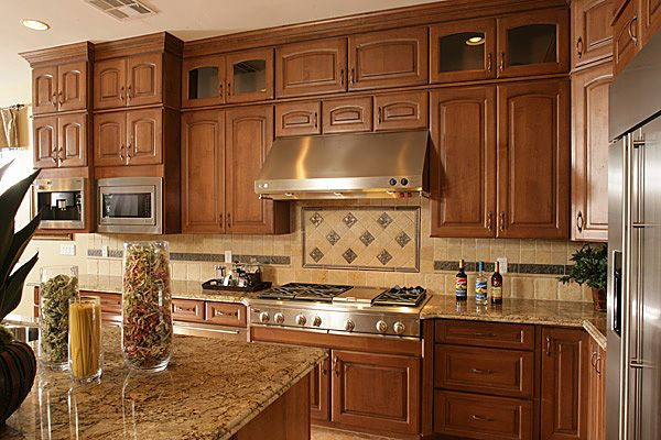 This Is The Color Scheme I Want For My Kitchen Tan Granite Medium Brown Cabinets Light