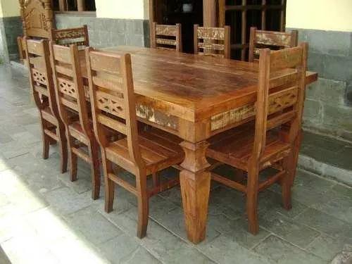 ca3367 - jogo mesa em madeira de demolição com 8 cadeiras