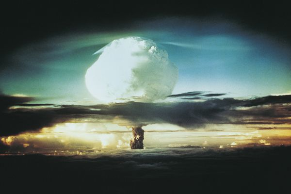 Nukleáris baleset történt! A rádióaktív felhő itt van Hazánk fölött!           A szerencsétlenség feltételezhetően szeptember utolsó he...