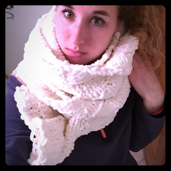 BOGO handmade white scarf This is made out of incredible soft plush white yarn (like what is used for baby blankets) has a woven basket kind of pattern with the yarn squares. Handmade Accessories Scarves & Wraps
