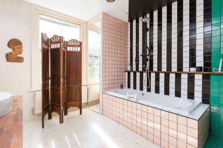 Дизайн-проекты ванных комнат: 80 современных и изящных вариантов реализации http://happymodern.ru/dizajn-proekt-vannyx-komnat/ Разнообразие расцветок плитки в ванной комнате в стиле эклектик Смотри больше http://happymodern.ru/dizajn-proekt-vannyx-komnat/