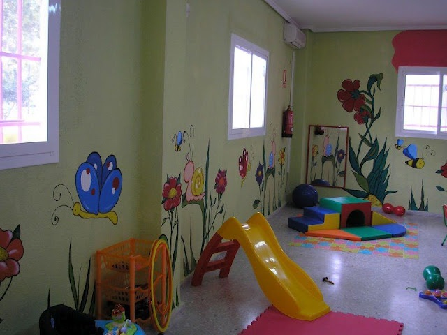 Preescolares ideas para decorar el aula kinder garten - Ideas para decorar una pared de salon ...