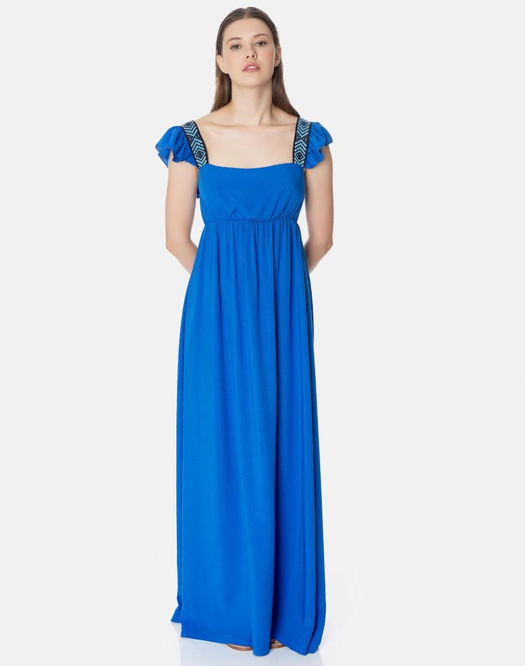 Φόρεμα με βολάν και άνοιγμα στην πλάτη