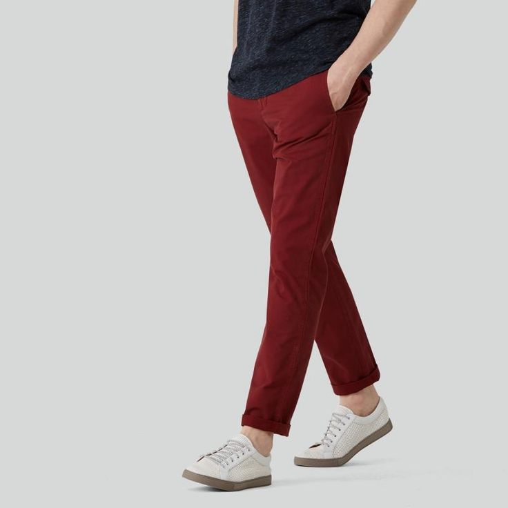 Lighter than your average chino, these summer pants are perfect for staying cool and looking the part in warmer weather. With their extra pocketing details and waistband tabs that offer a sophisticated safari outlook, they're like the all-terrain of pants