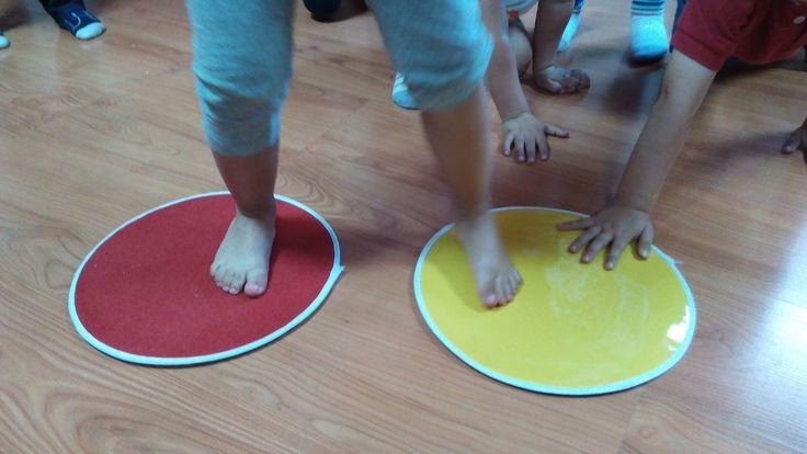 Actividades para el primer ciclo de Educación Infantil: Circuito sensorial para pies descalzos