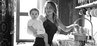 "The Glow features mommas and their babies, at home. I especially like  the spread from Jemima Kirke of HBO's Girls: ""I asked myself, 'What am I going to lose by having a child?' And so far the answer is nothing."""