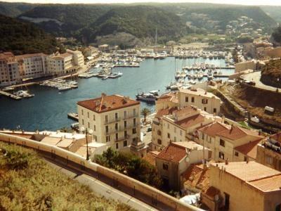 Le port de Bonifacio guide touristique de la Corse