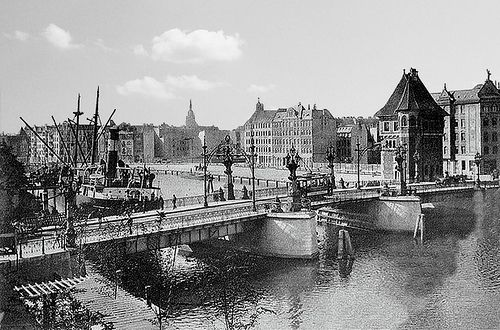 028 Königsberg - Kaiserbrücke mit Schiff by Kenan2, via Flickr