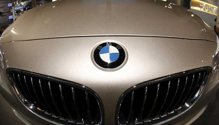 BMW Akan Produksi Mobil Tanpa Awak http://malangtoday.net/wp-content/uploads/2017/01/BMW.jpg MALANGTODAY.NET –Perusahaan otomotif asal Jerman BMW mengungkapkan rencana memproduksi 40 kendaraan tanpa awak (nirawak) yang dimulai pada semester kedua tahun ini. Sebagaimana dikutip dari carscoops, Jum'at (19/01), disebutkan bahwa mobil tanpa kemudi manusia ini akan terhimpun ... http://malangtoday.net/inspirasi/tekno/bmw-produksi-mobil-tanpa-awak/