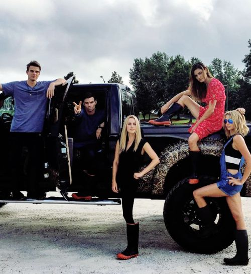 The Originals Where's Klaus And Hope!? And I'm not sure I want to know where they got the truck from.