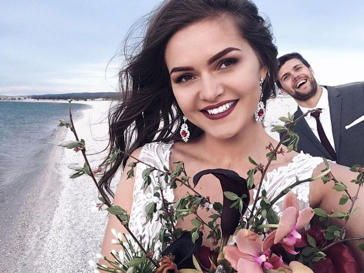 Сегодня ещё немного поснимали на рассвете�� . Думаю фотки будут просто�� . #WDUnknown #годовщинасвадьбы #годовщина #свадьба #молодожены #муж #жена #семья  #ольхон #байкал #сибирь #россия #wedding #weddywood #justmarried #husband #wife #family #olkhon #baikal #siberia #russia http://gelinshop.com/ipost/1520030056129742857/?code=BUYO0hXh8gJ