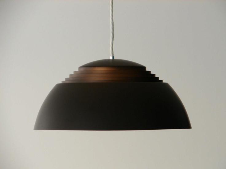 AJ Royal 370 - Arne Jacobsen - Louis Poulsen Top-Zustand - Ausstellungsstück - wie neu wird in dieser Farbe nicht mehr produziert!