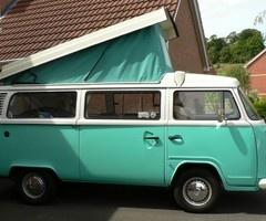 VW Camper teal