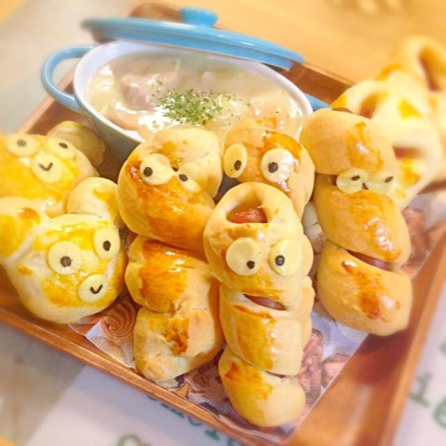 少し甘めなパン生地をソーセージに巻き巻きし、巻子に。 貞子じゃないよ‼︎ 子どもがクマも〜♪と言うので、クマと、ビアハム&マヨパン。 今夜はシチューと一緒に♬ ささちゃん、かよちゃん、トモキータン応援ありがと〜 - 254件のもぐもぐ - ウィンナー巻き子♪ by misawa
