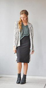 Don't you just love layers?  Your favortite pencil skirt, your loose dark green shirt and your oversized gray cardigan. Totally the style of the day!