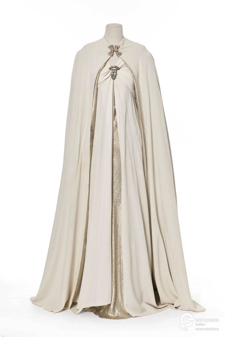 Vionnet evening ensemble, 1937  From Les Arts Décoratifs via Europeana Fashion