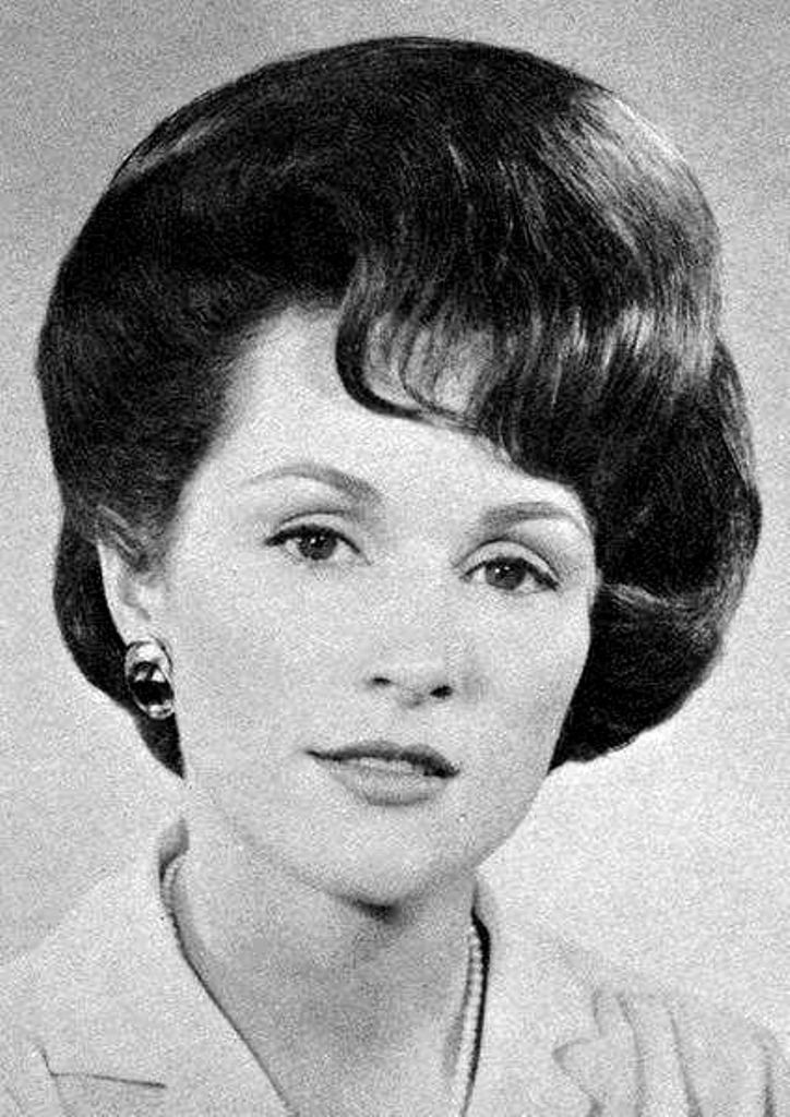 hair on pinterest big hair helmets and 1960s 17 best images about bouff oof on pinterest bouffant