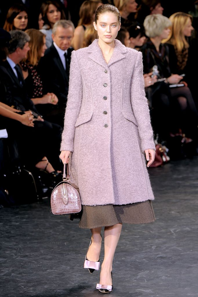 Louis Vuitton Fall 2010 Ready-to-Wear - Collection - Gallery - Style.com