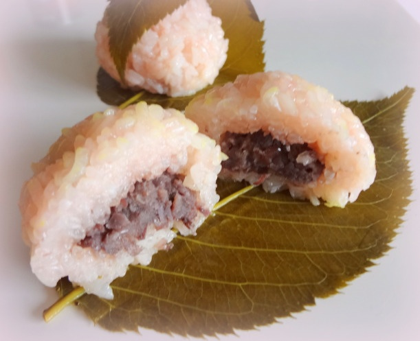 Kansai style 'sakura mochi', pink, filled with (anko) sweet azuki paste.