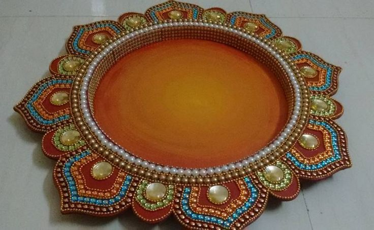 48 best kalash and pots images on pinterest ceramic for Aarti thali decoration with clay