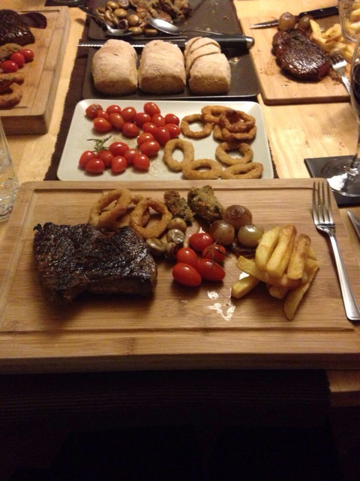 Steak chopping board