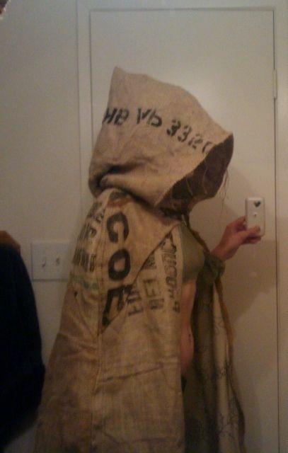 Burlap Hooded Cloak | I love this (Renaissance)
