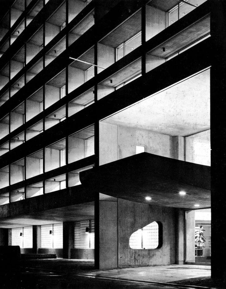 Tange Kenzō: Edificio Dentsu, 1960, derribado. Osaka.