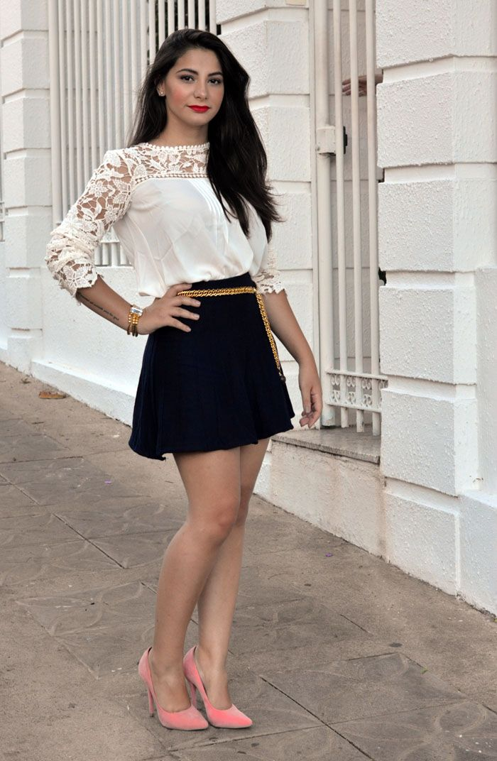 Look colegial: saia rodada e camisa branca