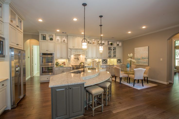 Village builders in woodtrace welcome home center for Kitchen design kingston