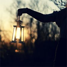 Nanaimo Events | Nanaimo Museum's Lantern Tours | They talk about ghosts! It counts!