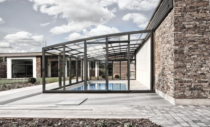 Pool Enclosure POPP PRESTIGE P5 smooth decent lines natural and perfect complement to every architectonic style