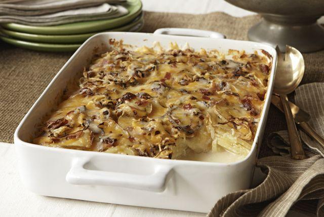 Plus besoin de préparer de sauce blanche! Faites-en une facile et rapide avec du fromage PHILADELPHIA, et votre gratin de pommes de terre sera aussi délicieux.